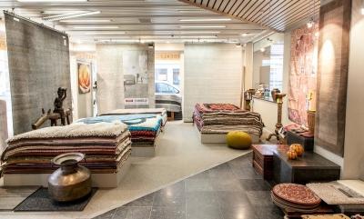 Oosterse en design tapijten, handgeknoopte en machinale tapijten, kelims en vintage tapijten, vast tapijt en wandtapijten, …: een tapijt kopen bij Tapiroe, dat is kiezen uit een heel brede waaier aan kleuren, stijlen en mogelijkheden!