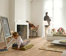 Laminaat is een vloer die uit verschillende lagen bestaat, met als kern een stevige HDF-plaat (een houtvezelplaat).
